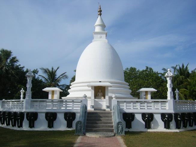 Dambakola Patuna Sangamiththa Temple