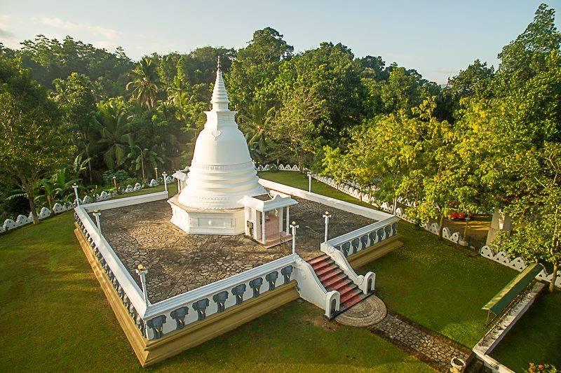 Kiriwandeniya Temple