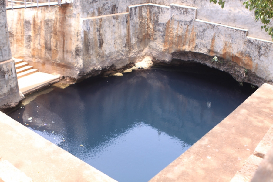 Nilavarai bottomless well in Jaffna
